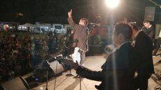 la 1° noche de la fiesta provincial de la cerveza cerro con baile bajo la lluvia