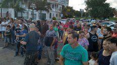 Fueron más de 150 autos de Paraná y Santa Fe, la marcha se realizó por la Costanera de Santa Fe y el punto de salida fue El Club Regatas de la vecina ciudad