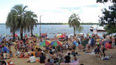 Opciones. Una multitud se concentró el fin de semana el balneario Santiago Inkier, en Colón,