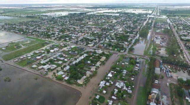 Desde el aire. La mayoría de las casas sufrieron el avance del agua después de otros 170 milímetros de lluvia.