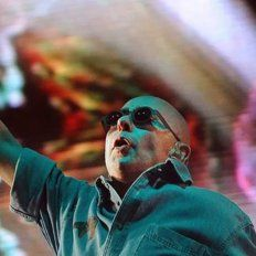 El Indio Solari cumple 70 años: un recorrido a través de sus discos solistas