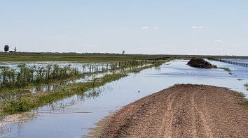 vialidad aprovecha las condiciones climaticas para la recuperacion de caminos