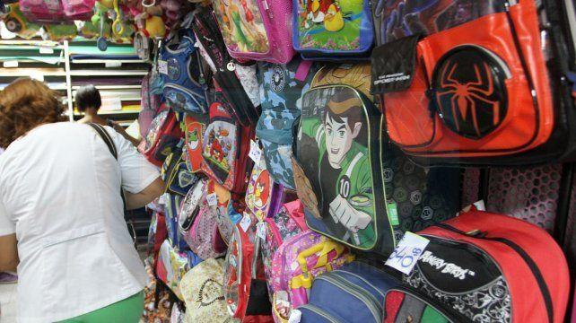 Útiles escolares registran incrementos del 20% al 50% y ya hay gran demanda
