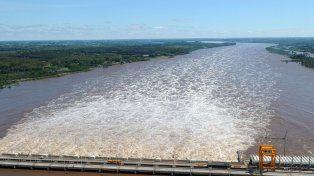 Decisión política. Antecedentes marcan que hubo casos en que se bajó la represa hasta los 29 metros.