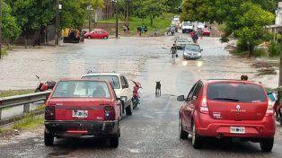 Desbordados. Varios arroyos en La Paz crecieron por las lluvias. Foto: El Ojo Mirador