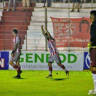 Festejo de los jugadores de Paraná.