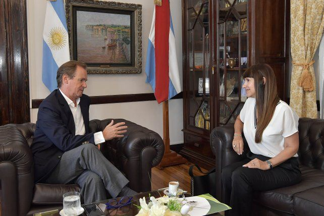Encuentro. Bordet y la ministra Velázquez