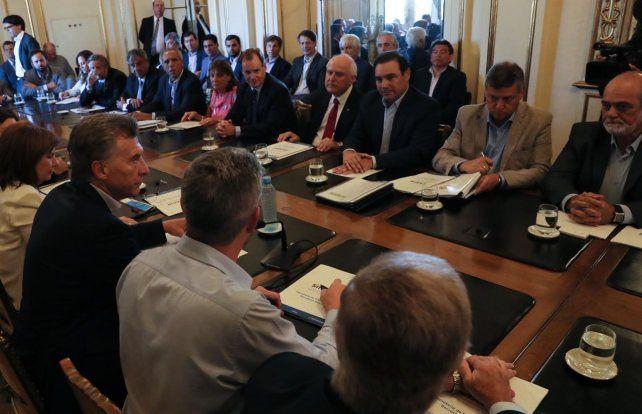 Inundaciones: Macri acordó con los gobernadores créditos de apoyo a los productores