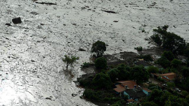 Imagen aérea del desastre por la destrucción de un dique de la minera Vale en Minas Gerais