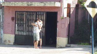 El abrazo de Leo y su hermano en Paraná.