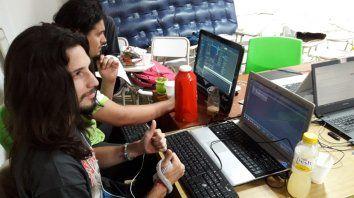 global game jam: durante 48 horas crearon videojuegos en equipos y con alegria