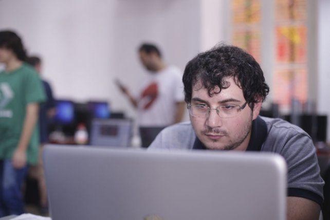 El programador santafecino Marcos Reyes antes del final.