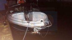 una lancha colisiono contra un arbol que flotaba en el rio y sus tripulantes fueron hospitalizados