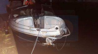 Una lancha colisionó contra un árbol que flotaba en el río y sus tripulantes fueron hospitalizados