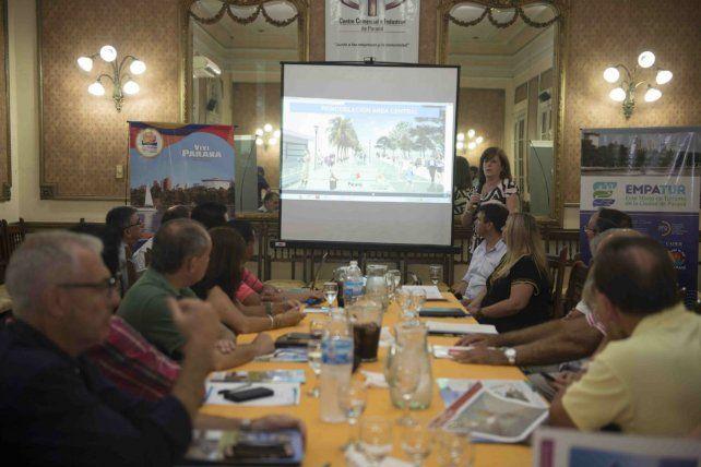 La remodelación de la Peatonal fue presentada ante entidades comerciales y turísticas