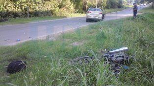 Motociclista falleció tras chocar con un auto