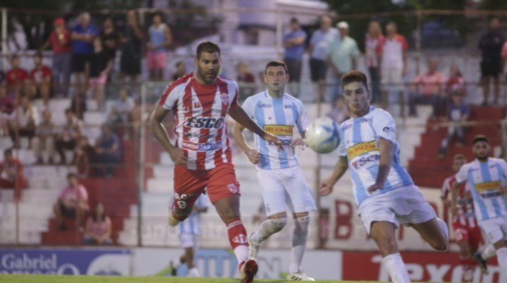 Entretenido empate en Paraná.