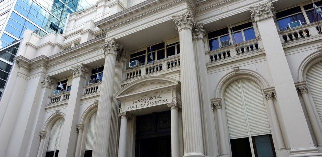 Las reservas del Banco Central cayeron u$s3.904 millones en una semana