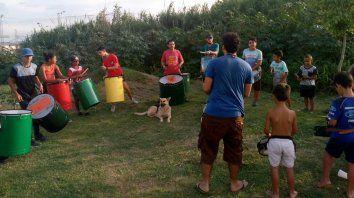 preparan corsos infantiles y variete en la vecinal peron y en el barrio pasteleros