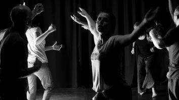 invitan a un workshop en antropologia teatral con ariana caruso