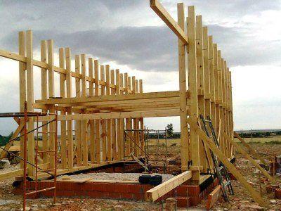 La Provincia iniciará la construcción de casas de madera con fondos propios