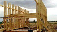 la provincia iniciara la construccion de casas de madera con fondos propios
