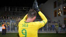 Emiliano dejó su huella. Por esto, como muchos aficionados, deseo honrarle de nuevo retirando el número 9, declaró el presidente del Nantes Waldemar Kita.