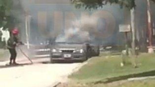 Incendiaron el auto del detenido por torturar a la hija que luego murió