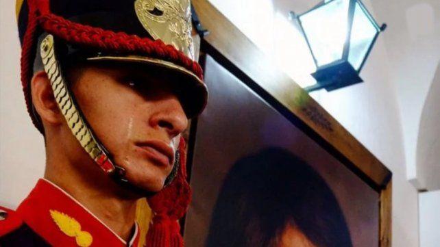 Quién es el granadero que lloró al ver un cuadro del General San Martín