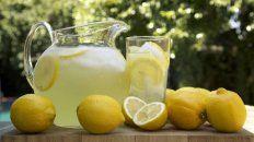 los siete beneficios de tomar agua con limon