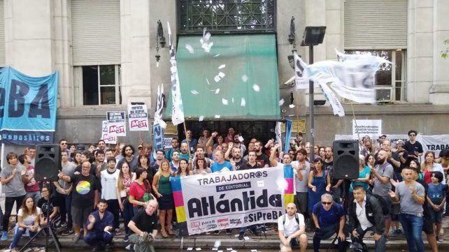 Después de 97 años Atlántida dejó de publicar Revista Para Ti y despidió a 17 trabajadores
