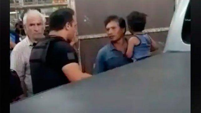 Imputaron por abandono de persona al papá del niño encerrado en la camioneta