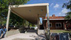 el centro de dia leloir tiene 40 plazas con capita para pami y para pacientes sin obra social