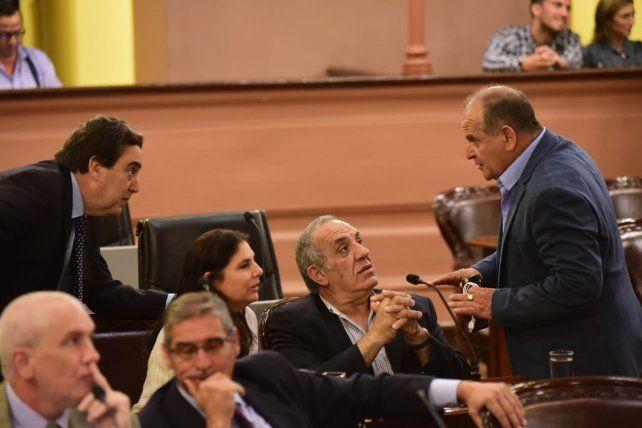 Críticas cruzadas en la Cámara de Diputados tras la reelección de Urribarri