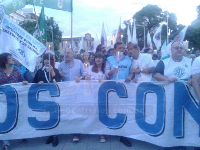 Marcha de antorchas contra el tarifazo del gobierno de Macri