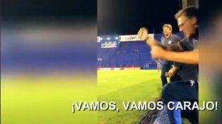 Insólito: el asistente de Heinze festejó un gol del equipo rival