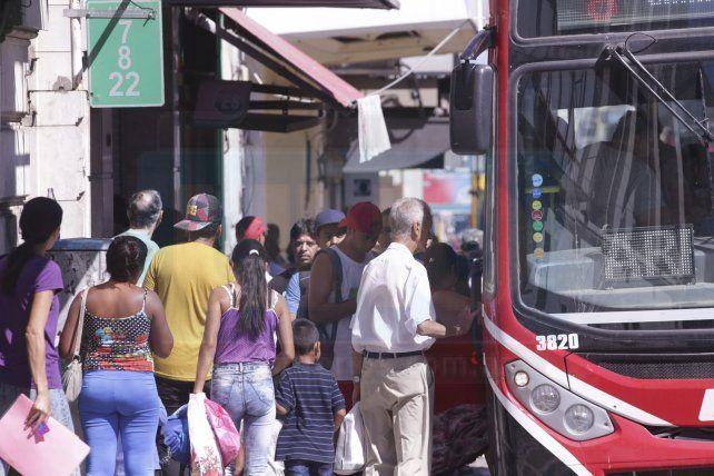 Los empleados de comercio piden subir el tope del boleto obrero en Paraná