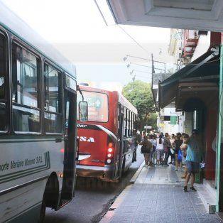 Hoy, Asamblea Ciudadana Vecinal junta firmas contra el aumento del colectivo