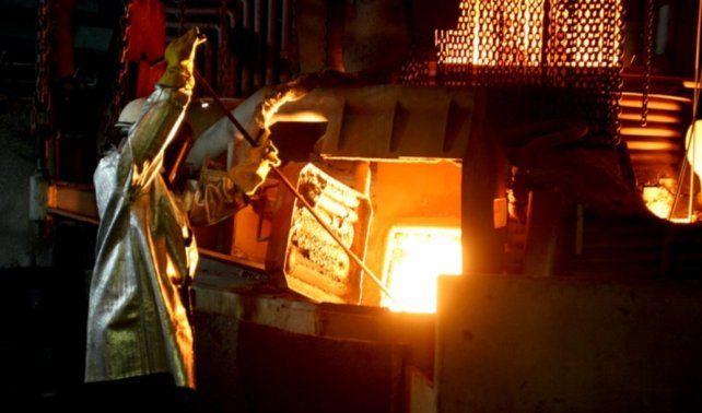 La producción siderúrgica se desplomó un 20,3% en enero