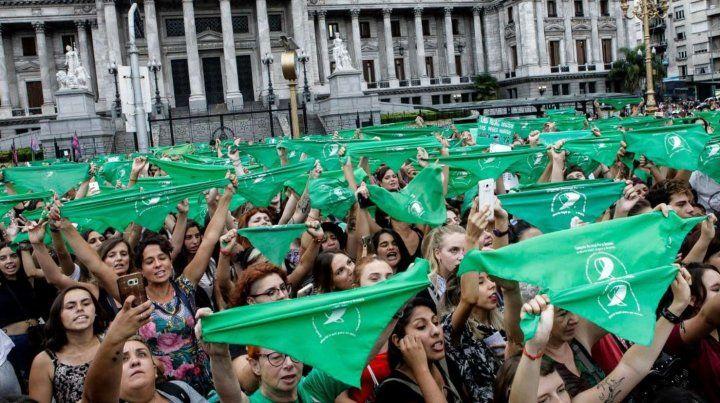Los pañuelos verdes vuelven a la calle por el aborto legal