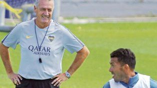 Con el Apache. Alfaro confirmó a Carlos Tévez en el 11 inicial que recibirá a Atlético Tucumán.
