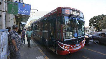 comienza a normalizarse el servicio de transporte urbano de pasajeros en parana