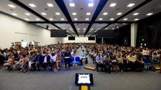 Masivo. El amplio Centro Provincial de Convenciones albergó a poco menos de 2.000 educadores.
