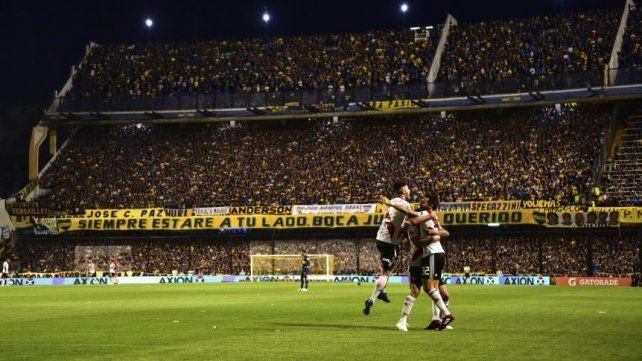 En ese partido fue figura el Pity Martínez.