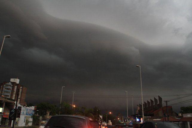 El alivio llegó con tormentas fuertes y un alerta meteorológico para parte de la provincia