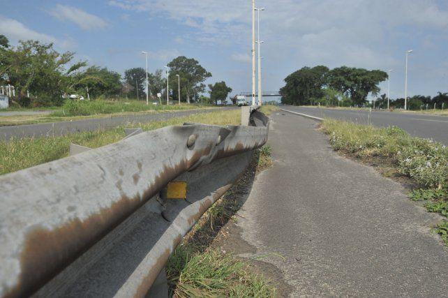 El estado de la infraestructura vial demuestra que el mantenimiento falta desde hace años.