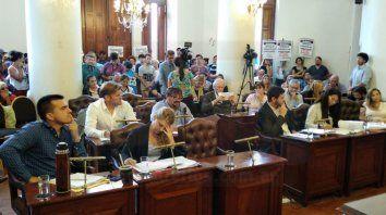 el concejo trata el destino del atn para pagar los sueldos de los choferes