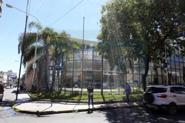 Polémica. El Rectorado autorizó a la FCVyS a ocupar todo el edificio del complejo Juan Domingo Perón.