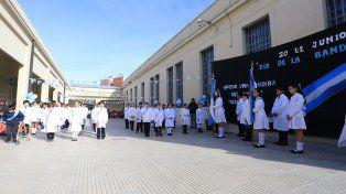 Foto Archivo. El día de la bandera en la Escuela Bavio.