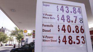 Nueva pizarra. A razón de una vez por mes varía el costo de la nafta.